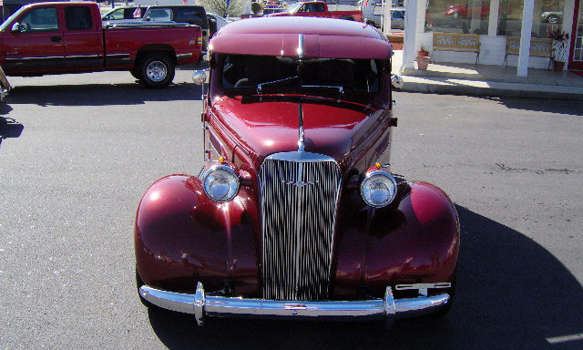 1937 CHEVROLET CUSTOM 2 DOOR SEDAN - Front 3/4 - 40108