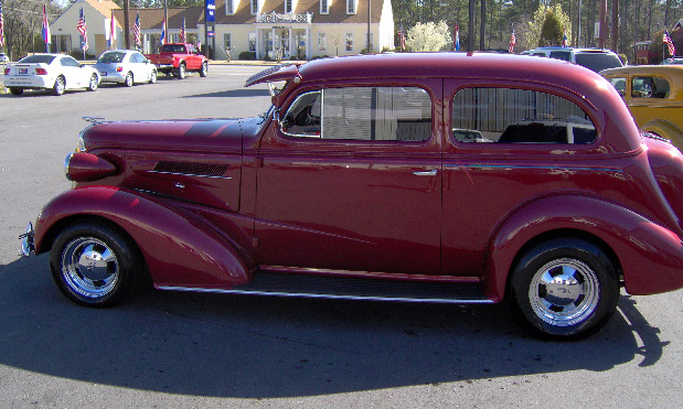 1937 CHEVROLET CUSTOM 2 DOOR SEDAN - Side Profile - 40108