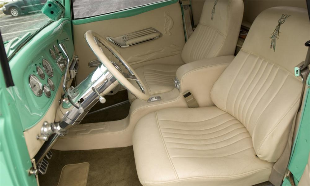 1934 FORD COUPE - Interior - 40112