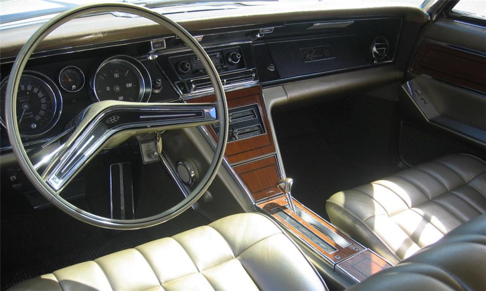 1965 BUICK RIVIERA GS COUPE - Interior - 40129