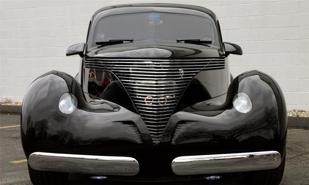 1941 HOLLYWOOD GRAHAM 4 DOOR SEDAN - Side Profile - 40148