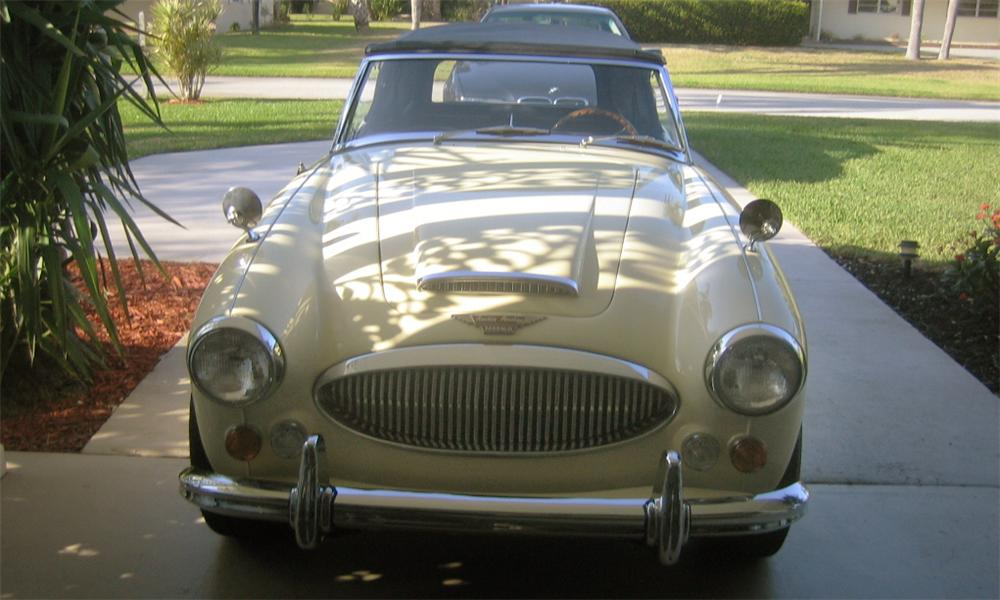 1967 AUSTIN-HEALEY BJ8 MARK 3000 - Front 3/4 - 40154