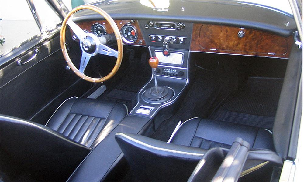 1967 AUSTIN-HEALEY BJ8 MARK 3000 - Interior - 40154