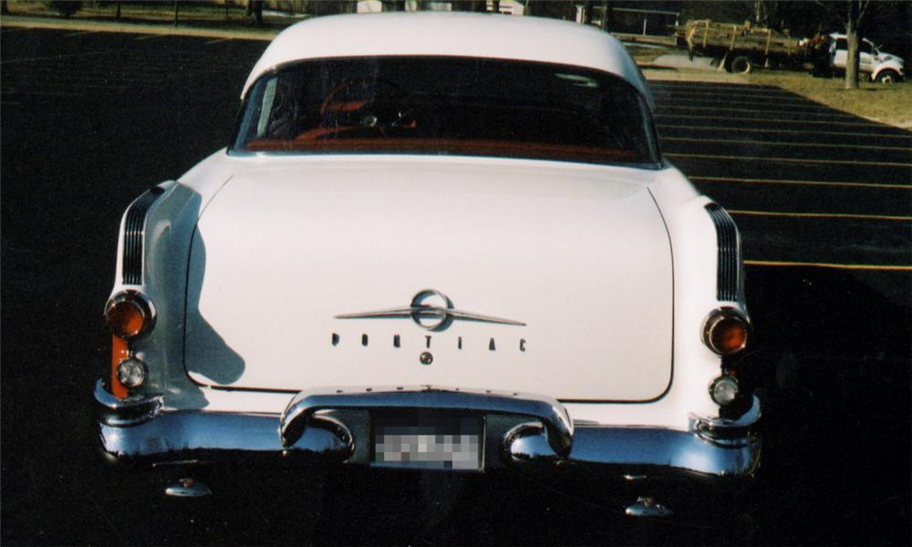 1955 PONTIAC STAR CHIEF 2 DOOR HARDTOP - Rear 3/4 - 40240