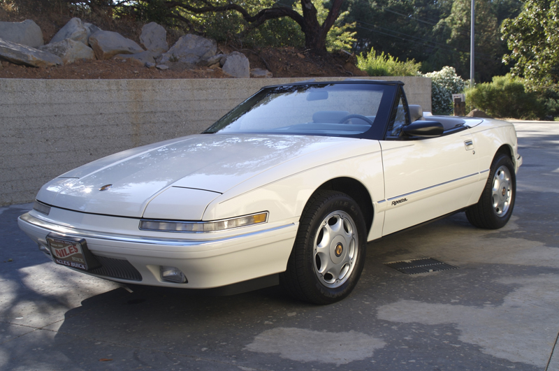 1990 BUICK REATTA CONVERTIBLE - Front 3/4 - 43246