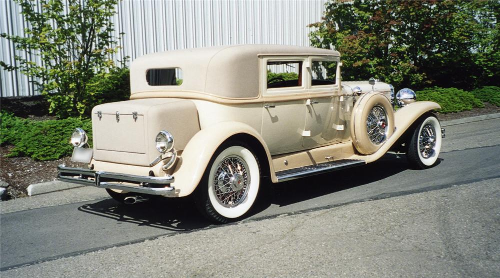 1930 DUESENBERG J ARLINGTON SEDAN - Rear 3/4 - 43271
