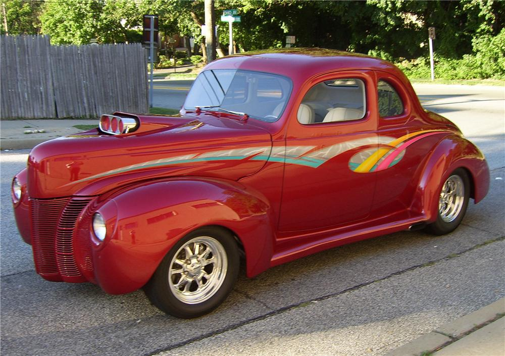 1940 FORD DELUXE COUPE STREET ROD - Front 3/4 - 43314