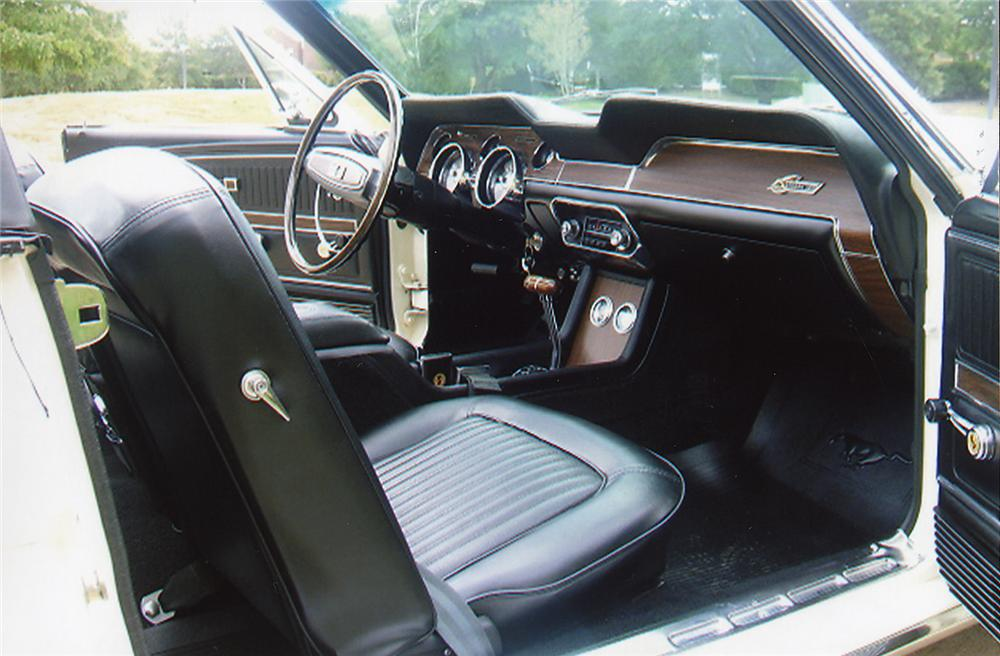 1968 SHELBY GT500 CONVERTIBLE - Interior - 43321