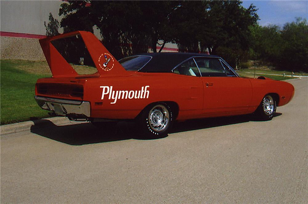1970 PLYMOUTH HEMI SUPERBIRD 2 DOOR HARDTOP - Rear 3/4 - 43326