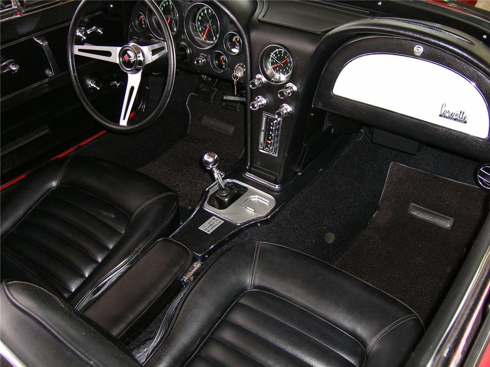 1966 CHEVROLET CORVETTE CONVERTIBLE - Interior - 43335