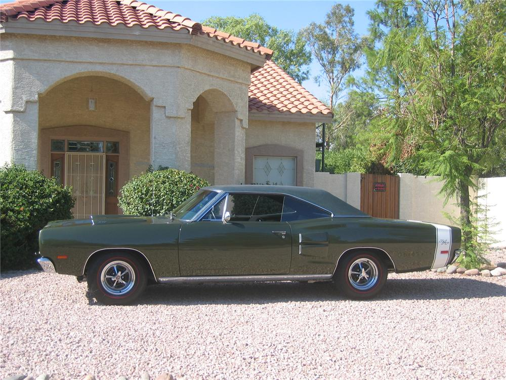 1969 DODGE CORONET R/T HARDTOP - Side Profile - 43338