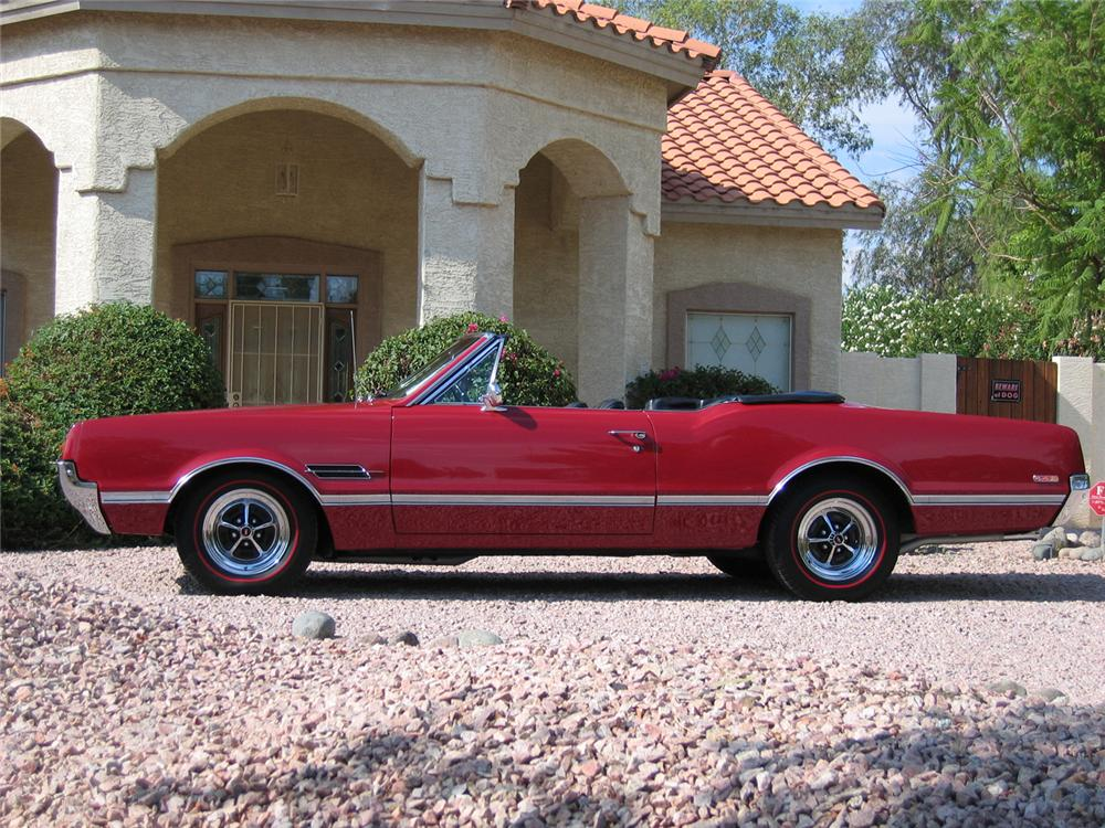 1966 OLDSMOBILE 442 CONVERTIBLE - Side Profile - 43348