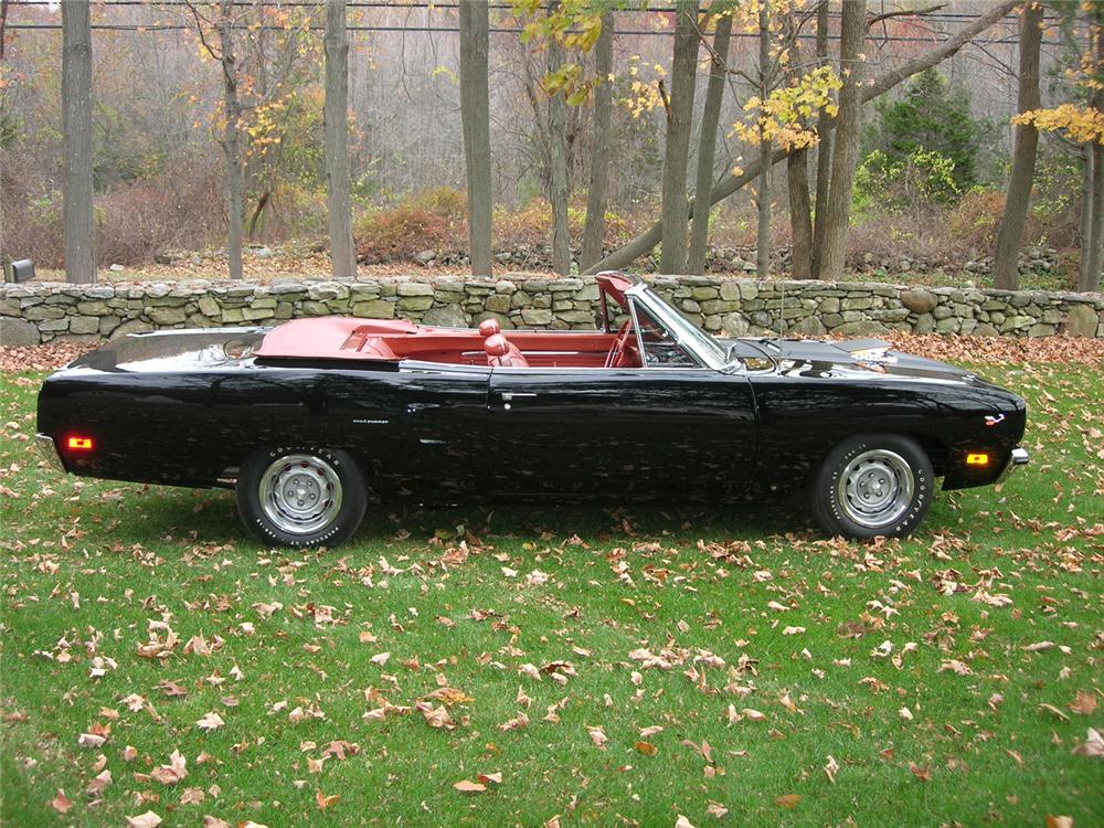 1970 PLYMOUTH ROAD RUNNER CONVERTIBLE - Side Profile - 43388