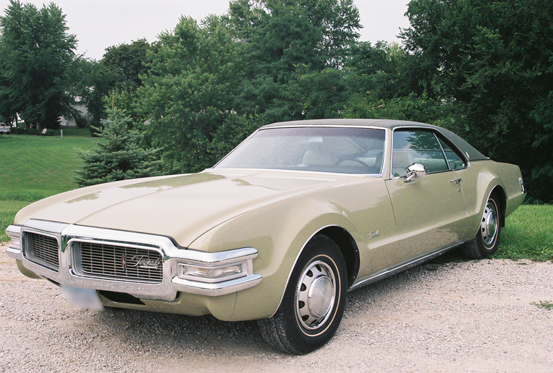 1969 OLDSMOBILE TORONADO 2 DOOR COUPE - Front 3/4 - 43424