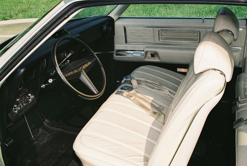 1969 OLDSMOBILE TORONADO 2 DOOR COUPE - Interior - 43424