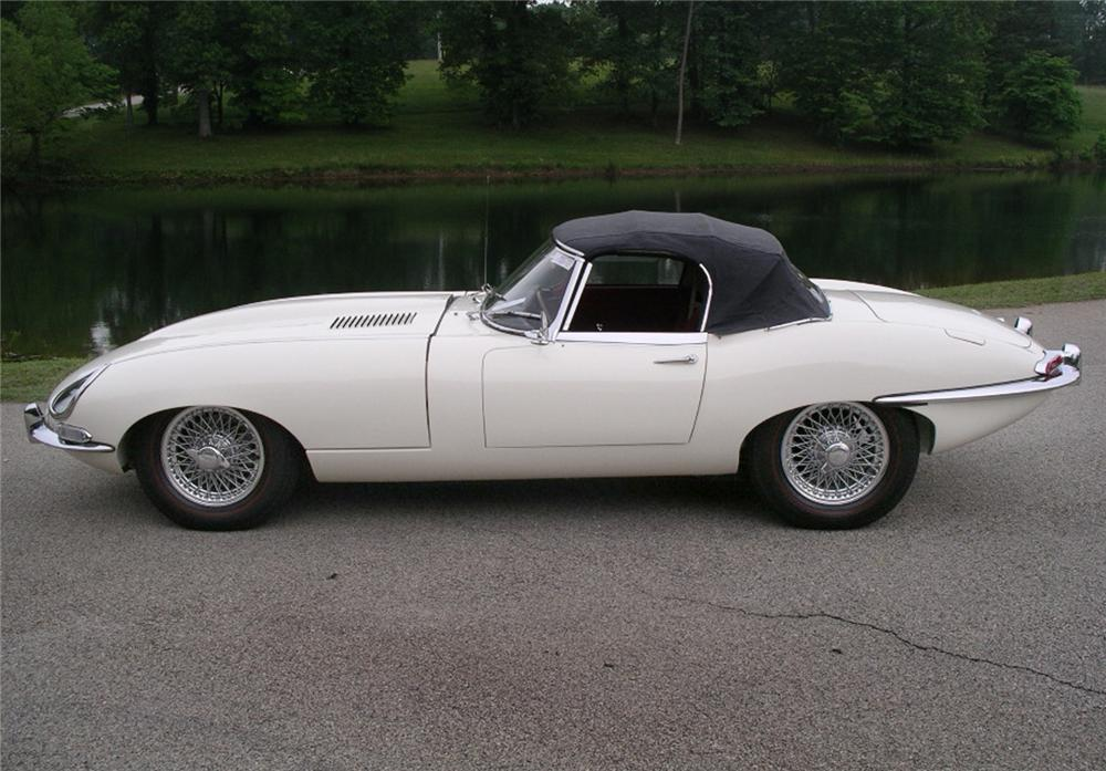 1963 JAGUAR XKE SERIES I CONVERTIBLE - Rear 3/4 - 43436