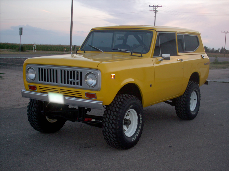1974 INTERNATIONAL SCOUT II UTILITY - Front 3/4 - 43441