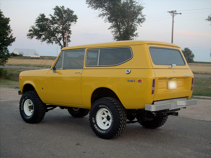 1974 INTERNATIONAL SCOUT II UTILITY - Rear 3/4 - 43441