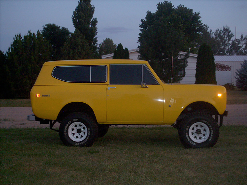 1974 INTERNATIONAL SCOUT II UTILITY - Side Profile - 43441