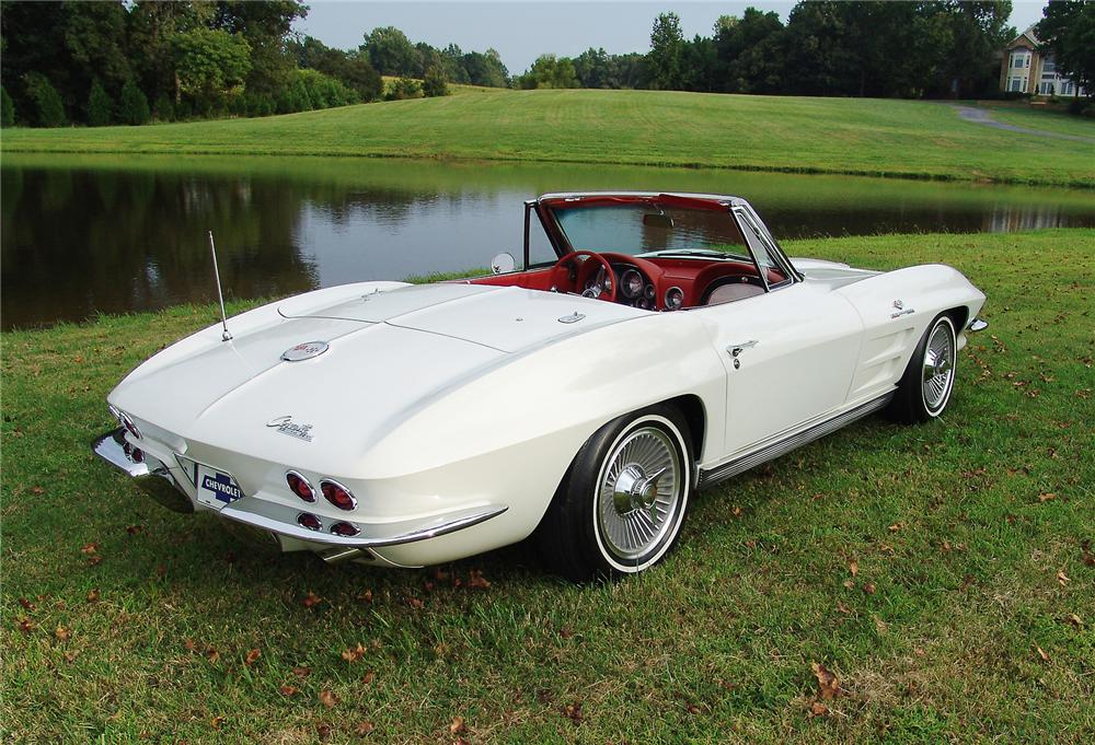 1963 CHEVROLET CORVETTE CONVERTIBLE - Rear 3/4 - 43471