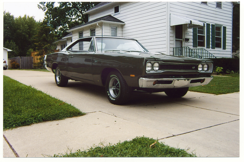 1969 DODGE SUPER BEE 2 DOOR COUPE - Front 3/4 - 43493