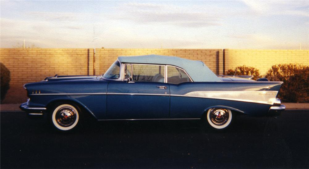 1957 CHEVROLET BEL AIR CONVERTIBLE - Side Profile - 43502