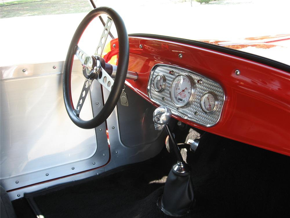 1927 FORD ROADSTER CUSTOM COUPE - Interior - 43562