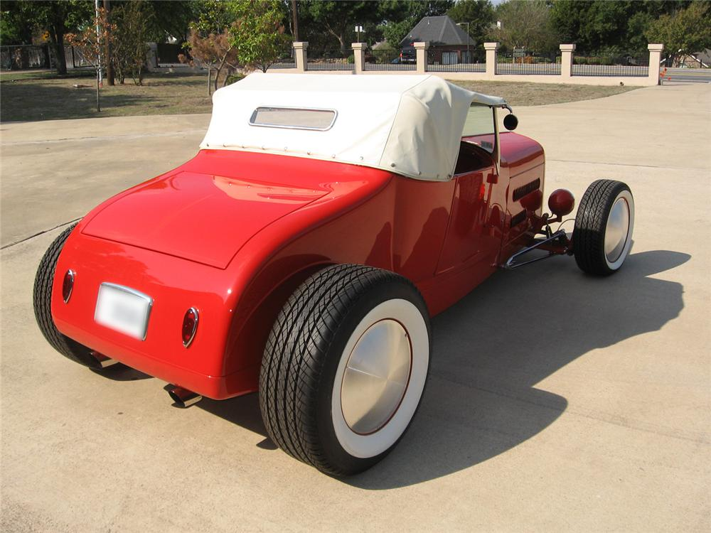 1927 FORD ROADSTER CUSTOM COUPE - Rear 3/4 - 43562