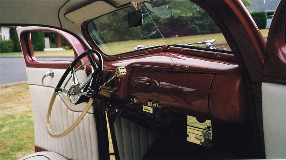 1940 FORD DELUXE CUSTOM COUPE - Interior - 43574