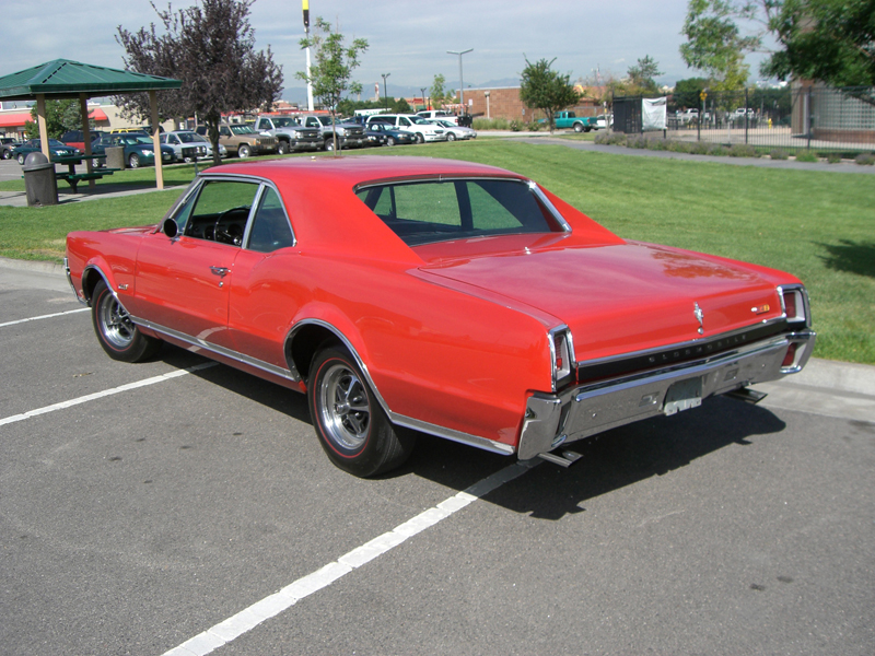 1967 OLDSMOBILE 442 2 DOOR HARDTOP - Rear 3/4 - 43584