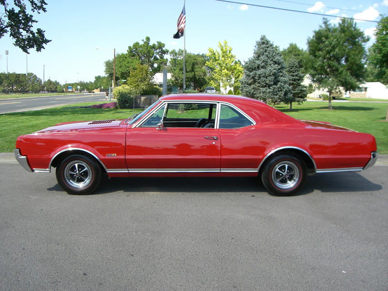 1967 OLDSMOBILE 442 2 DOOR HARDTOP - Side Profile - 43584