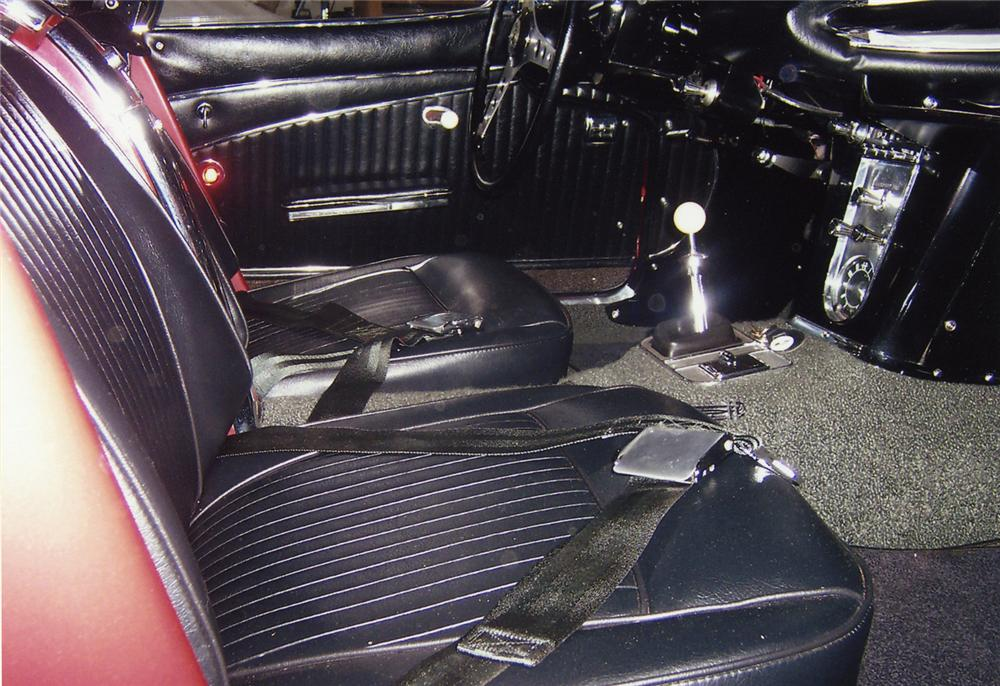 1962 CHEVROLET CORVETTE 327/360 CONVERTIBLE - Interior - 43593