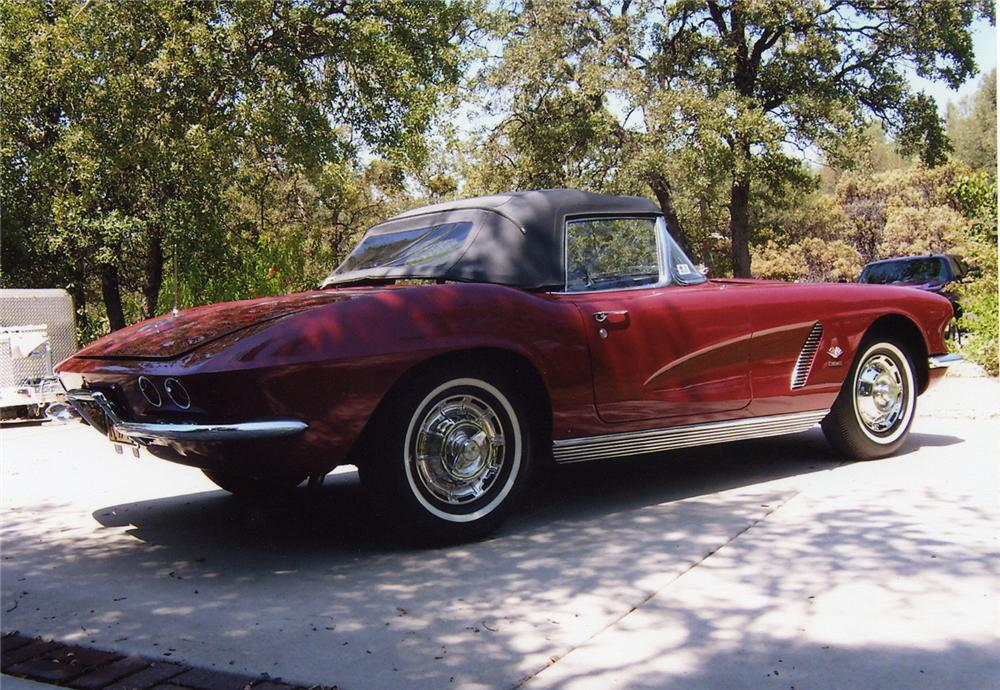 1962 CHEVROLET CORVETTE 327/360 CONVERTIBLE - Rear 3/4 - 43593