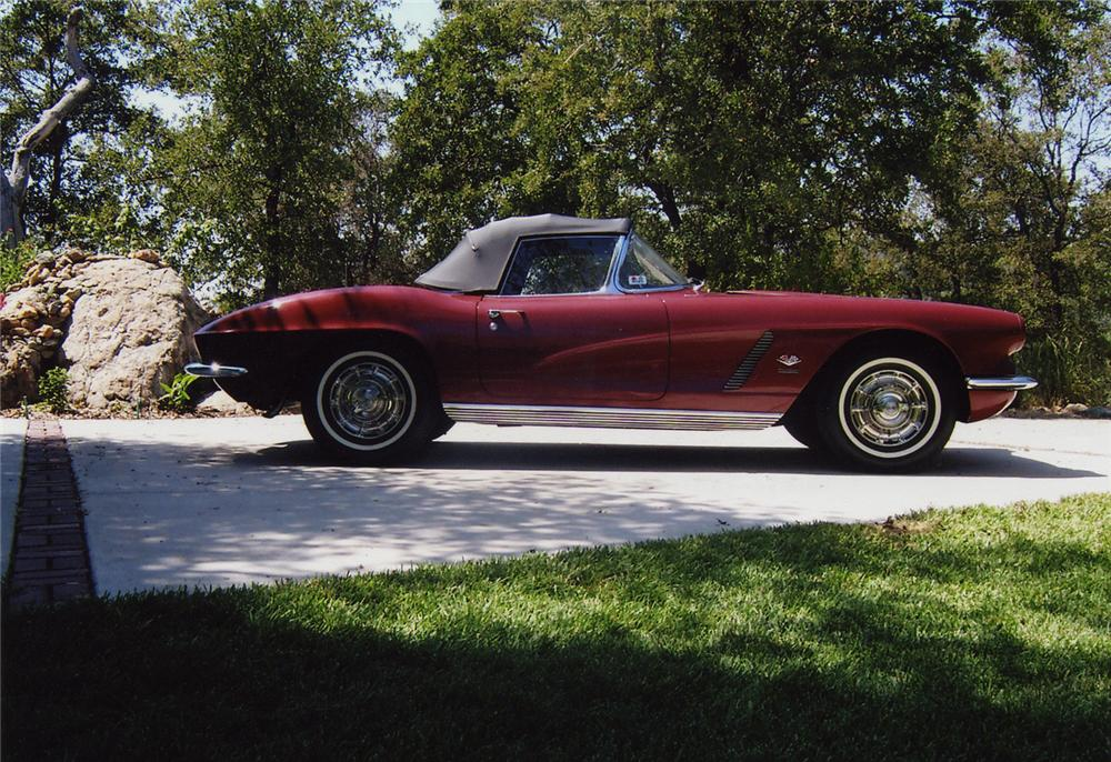 1962 CHEVROLET CORVETTE 327/360 CONVERTIBLE - Side Profile - 43593