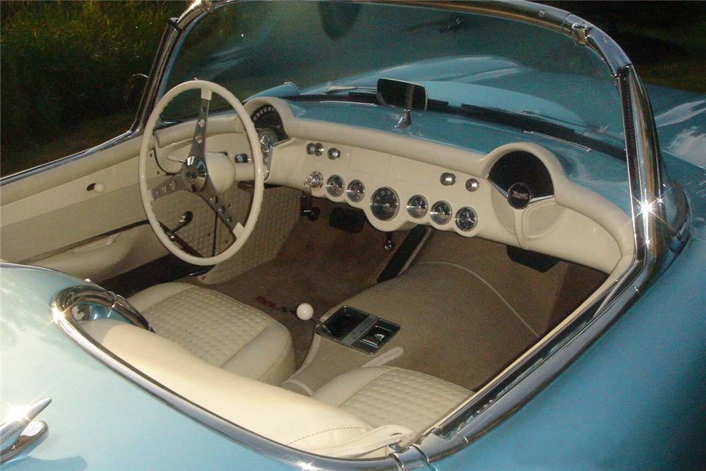 1957 CHEVROLET CORVETTE CONVERTIBLE - Interior - 43604