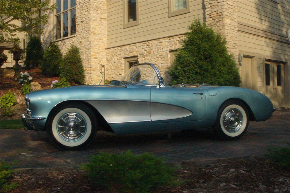 1957 CHEVROLET CORVETTE CONVERTIBLE - Side Profile - 43604