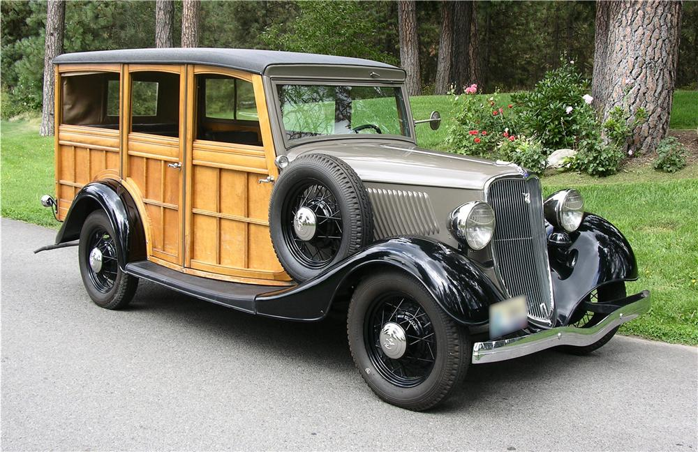 1933 FORD WOODY STATION WAGON - Front 3/4 - 43632