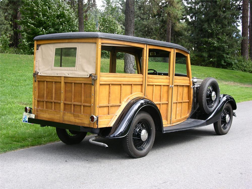 1933 FORD WOODY STATION WAGON - Rear 3/4 - 43632