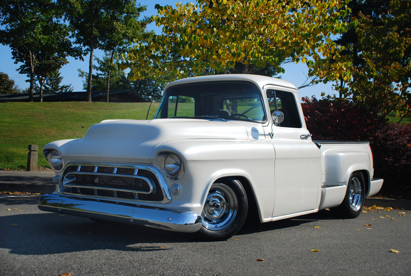 1957 CHEVROLET CUSTOM PICKUP - Front 3/4 - 43652
