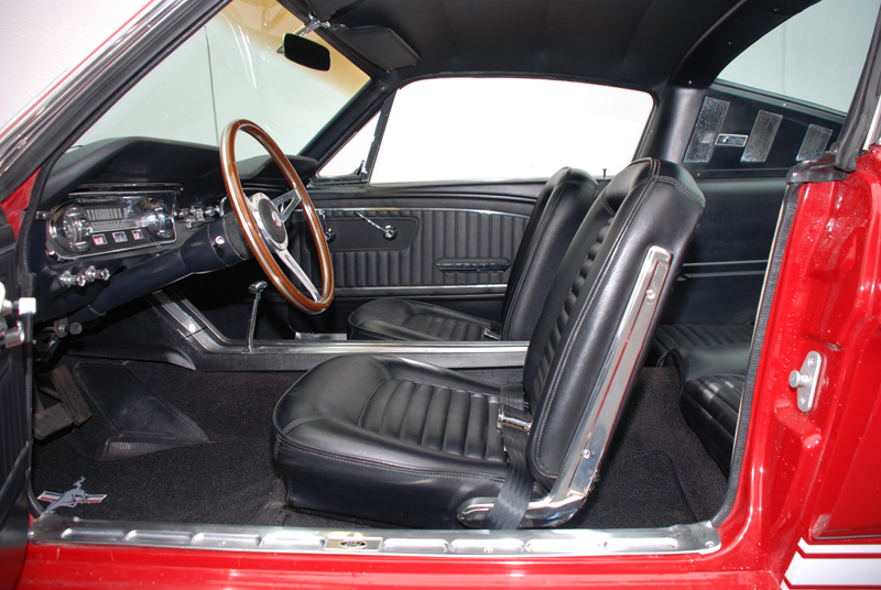 1965 FORD MUSTANG CUSTOM FASTBACK RE-CREATION - Interior - 43659