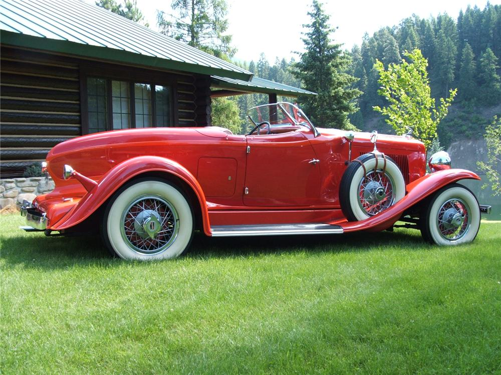 1932 AUBURN 8 100A SPEEDSTER - Side Profile - 43674