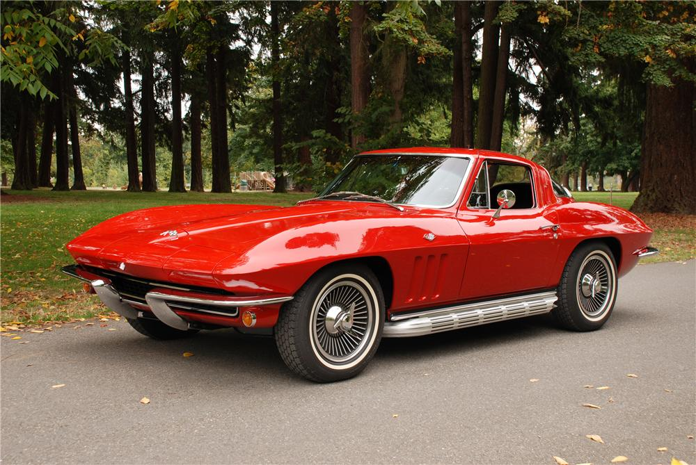 1965 CHEVROLET CORVETTE 327 COUPE - Front 3/4 - 43677