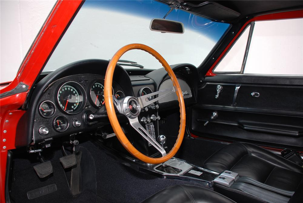 1965 CHEVROLET CORVETTE 327 COUPE - Interior - 43677