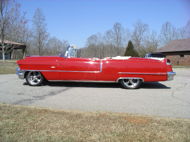 1956 CADILLAC SERIES 62 CONVERTIBLE - Side Profile - 43694