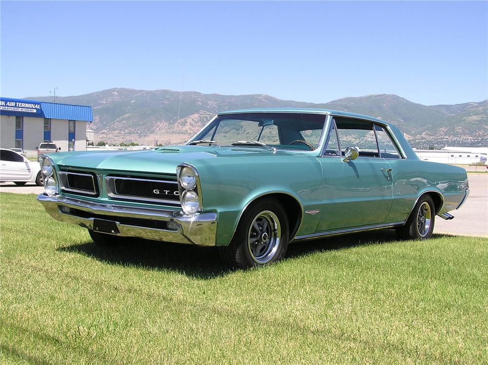 1965 PONTIAC GTO COUPE - Front 3/4 - 43696