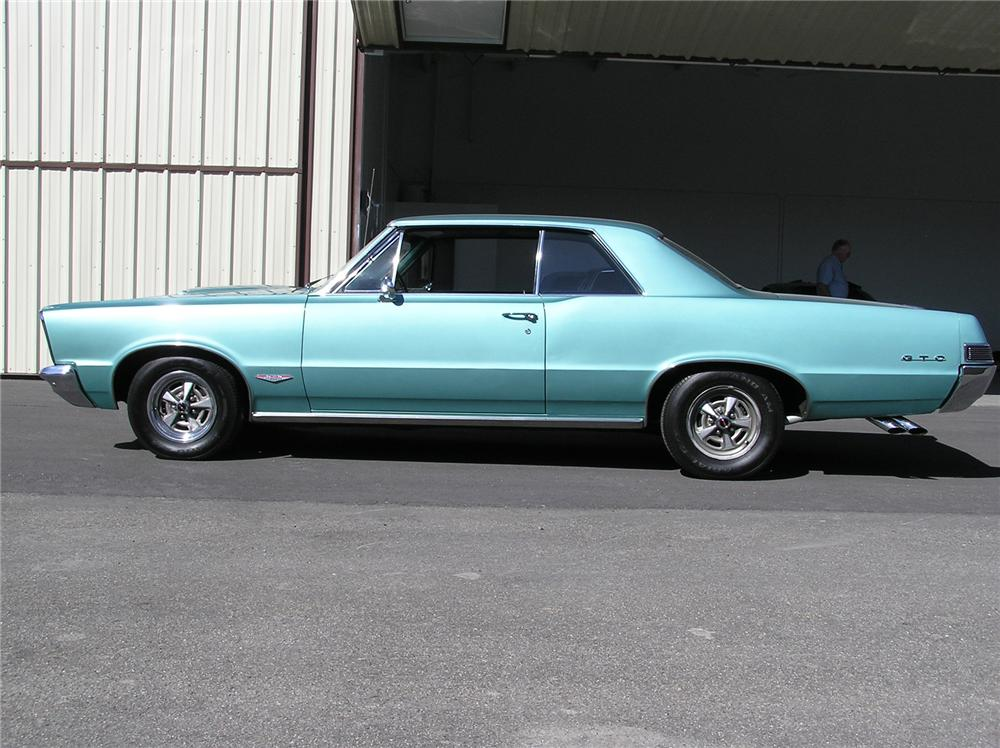 1965 PONTIAC GTO COUPE - Side Profile - 43696