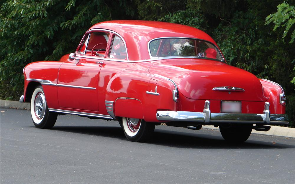 1951 CHEVROLET DELUXE SPORTS COUPE - Rear 3/4 - 43701