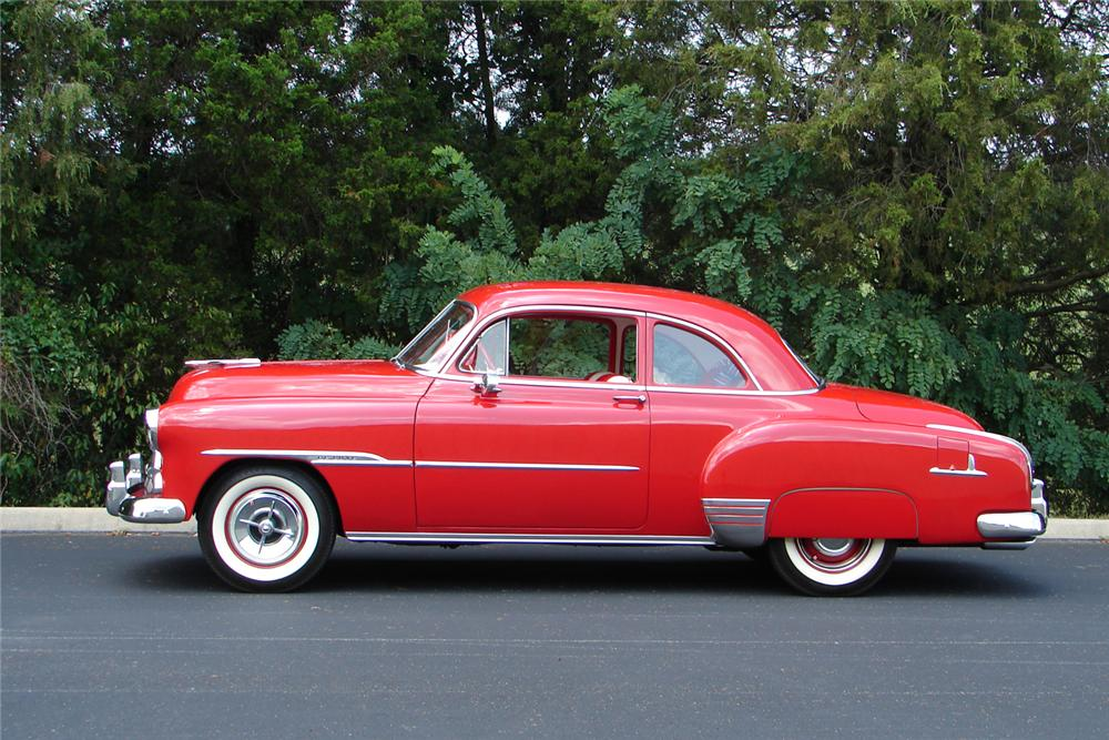 1951 CHEVROLET DELUXE SPORTS COUPE - Side Profile - 43701
