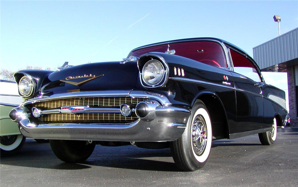 1957 CHEVROLET BEL AIR FI SPORT COUPE - Front 3/4 - 43717