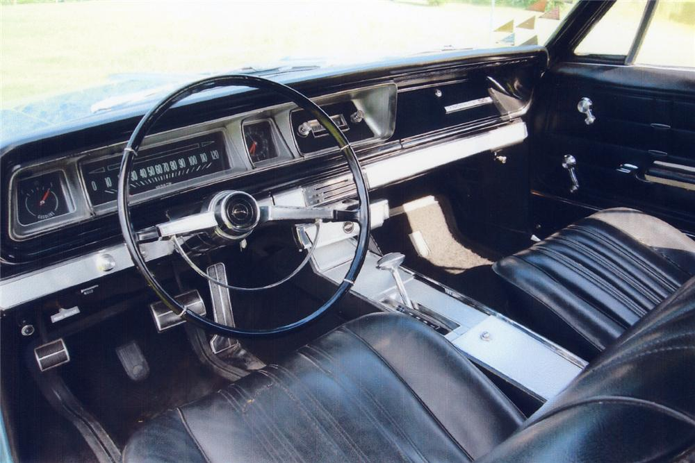 1966 CHEVROLET IMPALA SS CONVERTIBLE - Interior - 43736